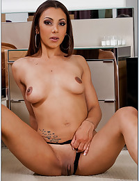Slut Jazmine And Her Hungry Pussy