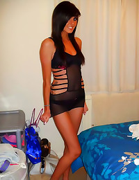 Smoking hot GF loves being gl...