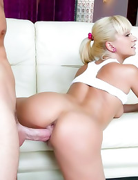 Long dick cums in her ass