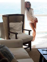Gorgeous Tori Back sexy pics