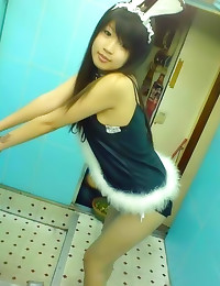 Sexy young Asian amateurs sol...